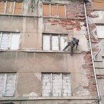 Zabezpečení fasády lešenářskou sítí